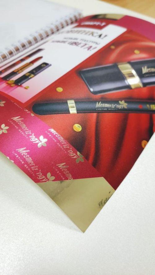 Наклейка уф-печать на золотой фольге